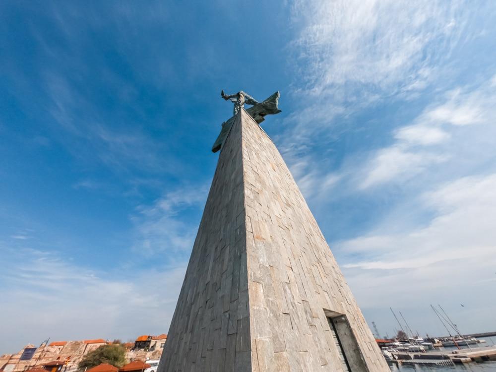 Статуята на Рибаря в Несебър 1